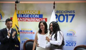 Diane Rodriguez recibe acuerdo del Consejo Nacional Electoral