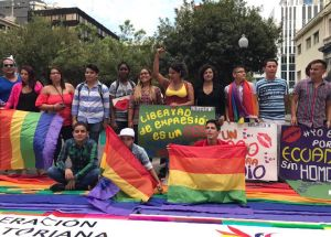 Dine Rodriguez activista transgenero y lgbt en el beso diverso 2017 federacion lgbt silueta x (2)