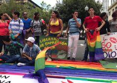 Dine Rodriguez activista transgenero y lgbt en el beso diverso 2017 federacion lgbt silueta x (8)