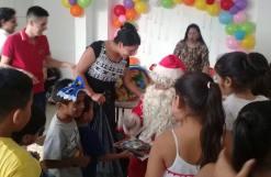 Agasajo Navideño a niños con enfermedades catastroficas y VIH - Asociación LGBT Silueta X - Ecuador (14)