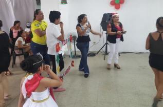 Agasajo Navideño a niños con enfermedades catastroficas y VIH - Asociación LGBT Silueta X - Ecuador (3)