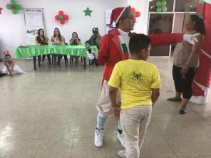 Agasajo Navideño a niños con enfermedades catastroficas y VIH - Asociación LGBT Silueta X - Ecuador (39)