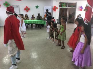 Agasajo Navideño a niños con enfermedades catastroficas y VIH - Asociación LGBT Silueta X - Ecuador (40)