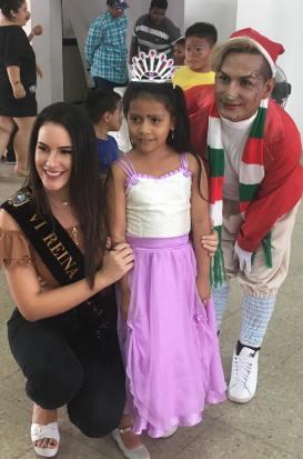 Agasajo Navideño a niños con enfermedades catastroficas y VIH - Asociación LGBT Silueta X - Ecuador (45)