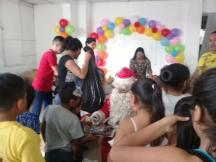 Agasajo Navideño a niños con enfermedades catastroficas y VIH - Asociación LGBT Silueta X - Ecuador (97)