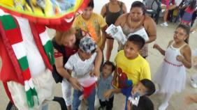 Agasajo Navideño a niños con enfermedades catastroficas y VIH - Asociación LGBT Silueta X - Ecuador (98)