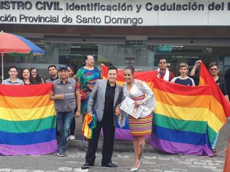 fotos del 2do matrimonio homosexual en Ecuador de Gina y Veronica en Santo Domingo de los Tsashilas 7.jpg