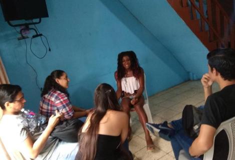 Prácticas - Investigación estudiantes universitarios colegios con LGBT Trans en Guayaquil - Quito - Ecuador - Silueta X 4.jpg