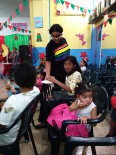Agasajo de niños con VIH - SIlueta X - Cámara LGBT - Transmasculinos Ecuador 2019 -niños enfermeddes catastroficas - Diane Rdríguez (1)