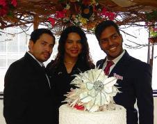 Matrimonio civil del mismo sexo u homosexual 3 en Ecuador y el primero de dos hombres Camara LGBT - Asociación Silueta X con Diane Rodriguez