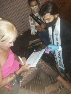 Pruebas de VIH iinerantes y meriendas ambulatorias para mujeres trans trabajadoras sexuales por parte de Asociación Silueta X (62)